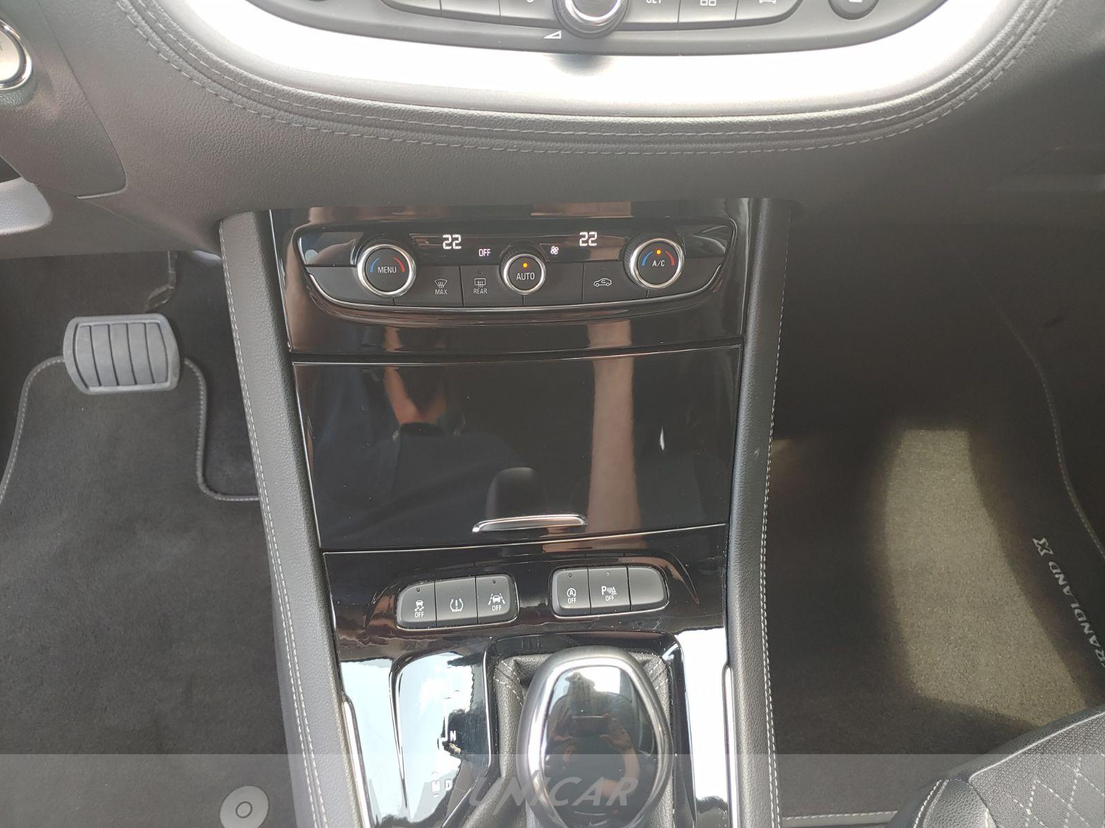 UNICAR Opel Grandland X
