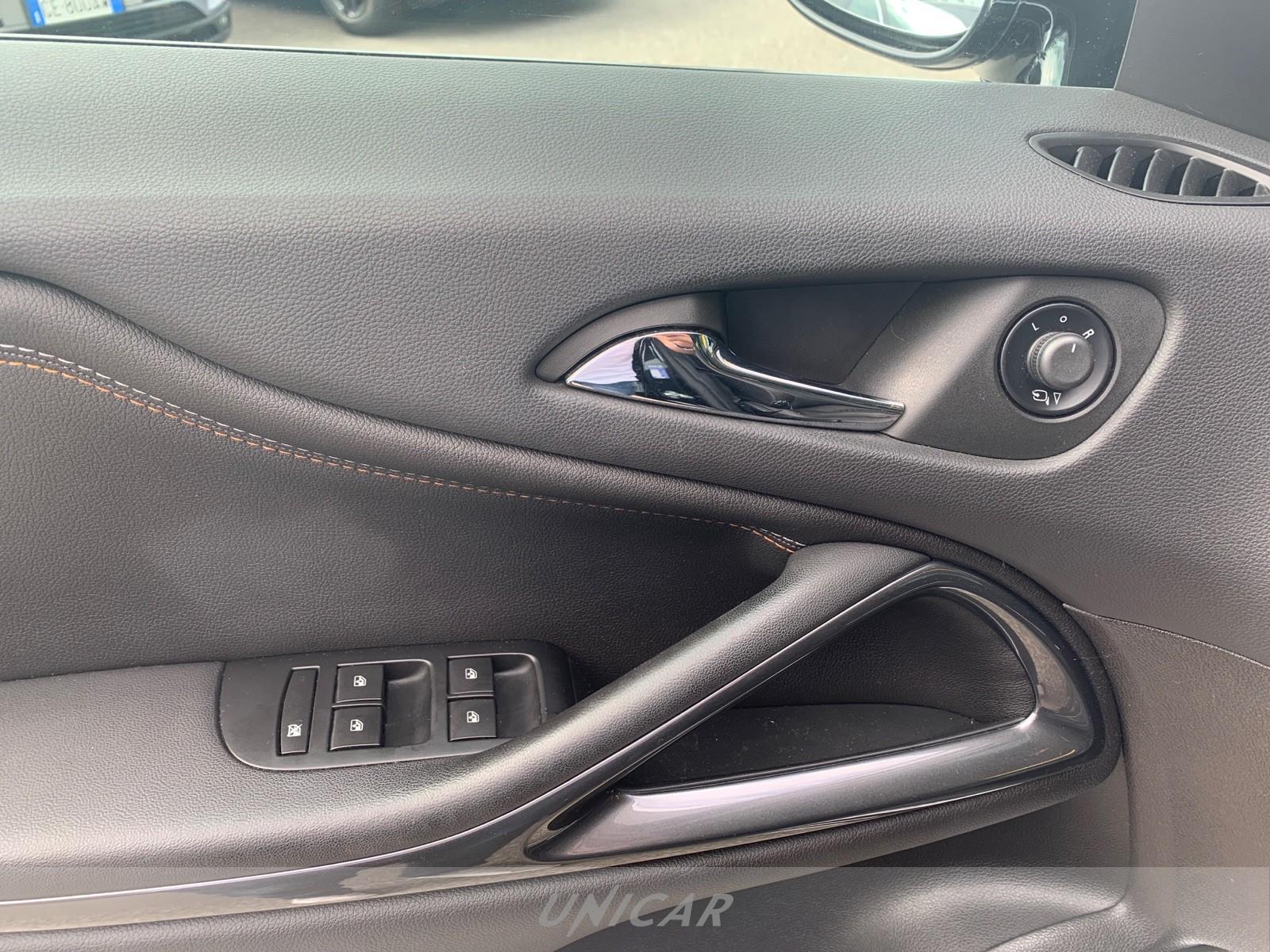 UNICAR Opel Zafira Tourer