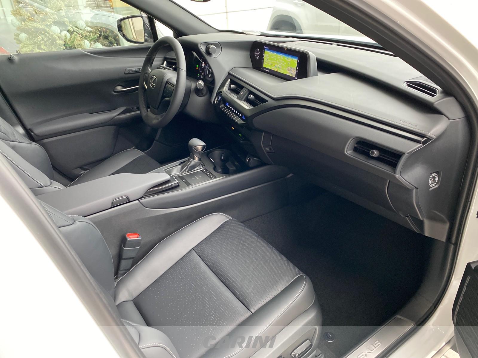 CARINI Lexus UX